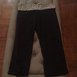 Victoria Secret   PINK 🐆 Capri Leggings